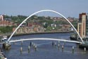 Image Ref: 9908-06-10 - Gateshead Millennium Bridge, Viewed 4043 times