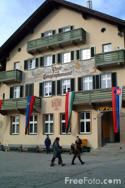 Picture of St Johann in Tirol - Free Pictures - FreeFoto.com