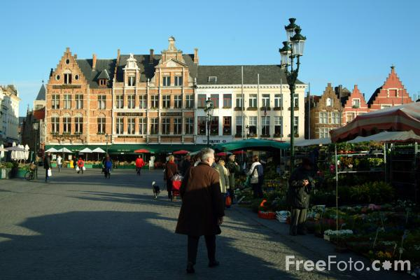 Picture of The Markt, Brugge / The Marketplace, Bruges - Free Pictures - FreeFoto.com