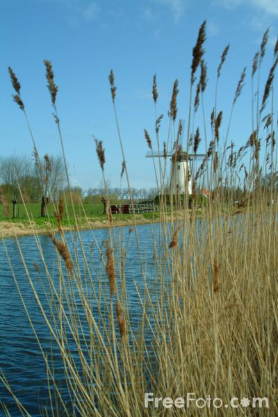 Picture of Windmill and Canal, Damme, Belgium - Free Pictures - FreeFoto.com