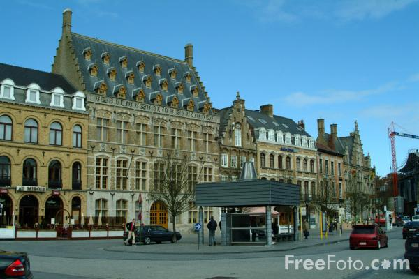 Picture of The Market Place, Ypres - De Grote Markt, Ieper - Free Pictures - FreeFoto.com