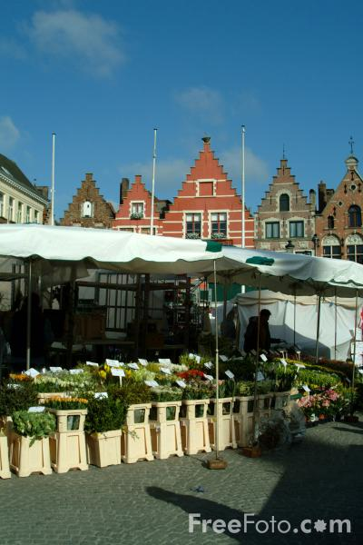 Picture of Market Stall, Grote Markt, Brugge / The market place, Bruges - Free Pictures - FreeFoto.com