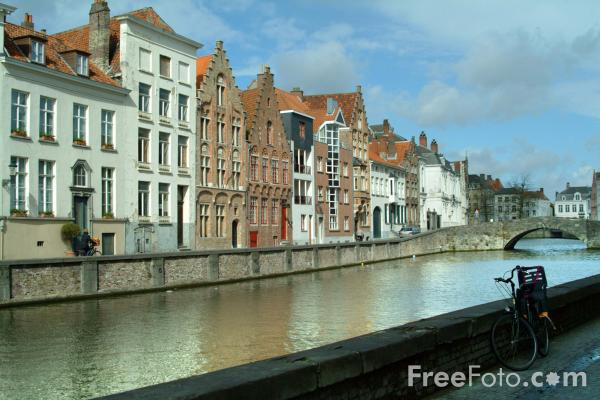 Picture of Flemish building, Bruges, Belgium - Free Pictures - FreeFoto.com
