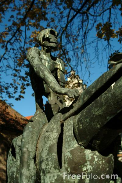 Picture of Bronze sculptures depicting the Knights of the Apocalypse on horseback, Brugge / Bruges - Free Pictures - FreeFoto.com