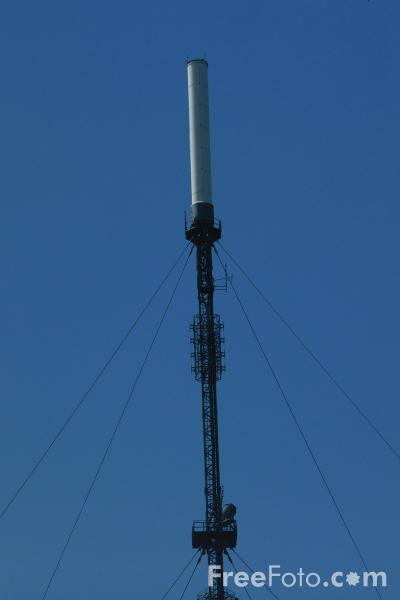 Picture of Television Mast, Pontop Pike, County Durham - Free Pictures - FreeFoto.com