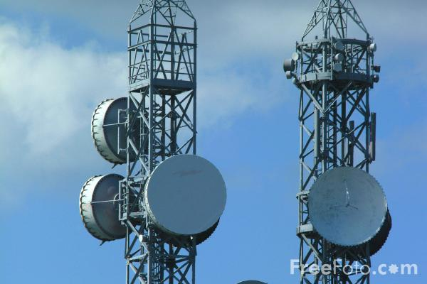 Picture of Communications Mast, Pontop Pike, County Durham - Free Pictures - FreeFoto.com