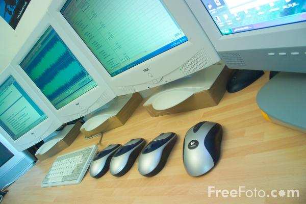 Picture of Office with TFT Screens - Free Pictures - FreeFoto.com