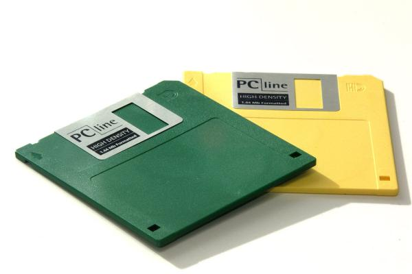 Picture of 1.44mb Floppy Disk - Free Pictures - FreeFoto.com
