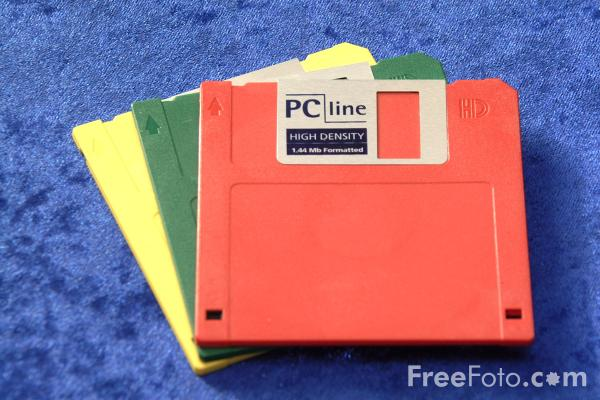 44mb floppy disk pictures free use image 04 20 36 by freefoto com