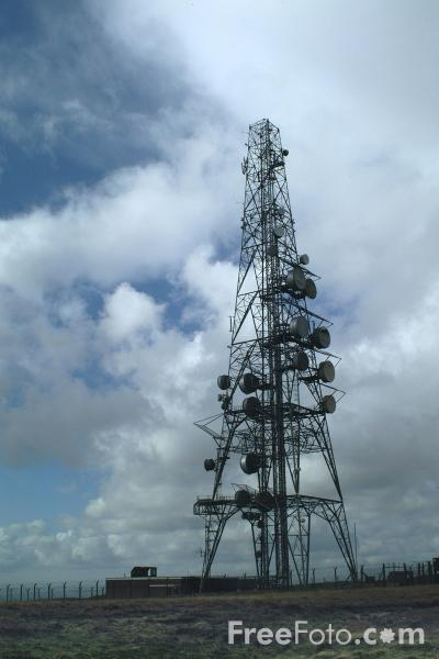 Picture of Communications Mast, Windy Hill, Saddleworth Moor, off the M62, near Milnrow - Free Pictures - FreeFoto.com