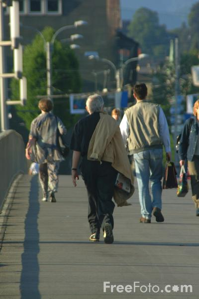 Picture of People on the move - Free Pictures - FreeFoto.com