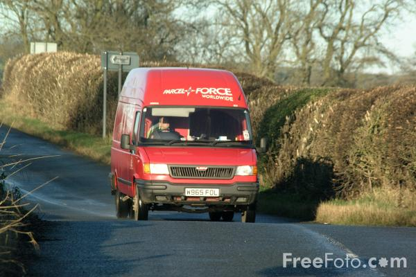 Picture of Parcel Force Van - Free Pictures - FreeFoto.com