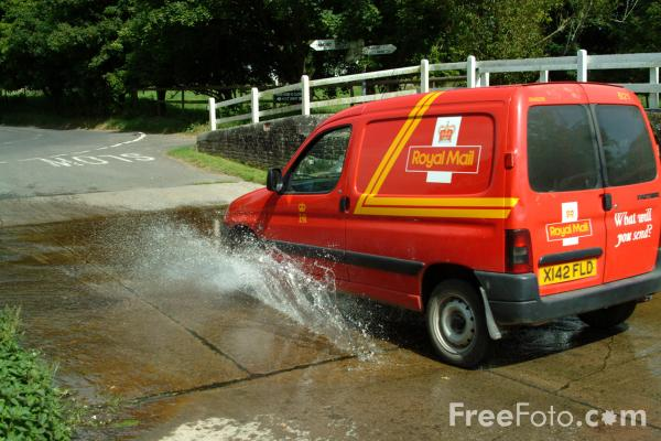 Picture of Royal Mail Van - Free Pictures - FreeFoto.com