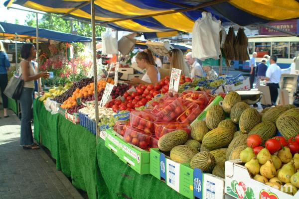 Picture of Fruit and Veg Stall - Free Pictures - FreeFoto.com
