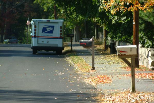 Picture of Mail Van, United States Postal Service - Free Pictures - FreeFoto.com