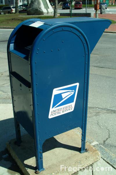 What colour are US mail boxes?