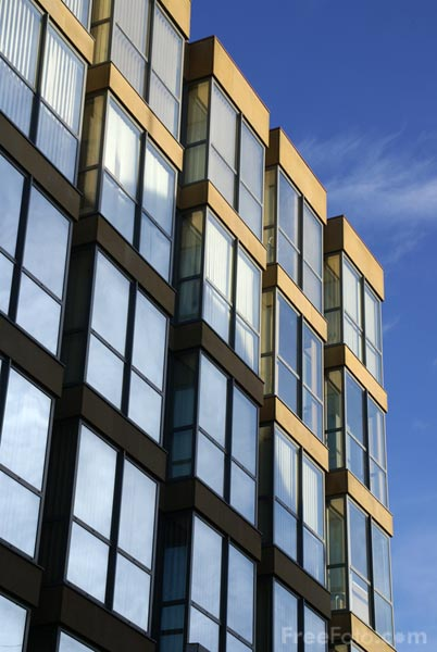 Picture of Modern Building - Free Pictures - FreeFoto.com