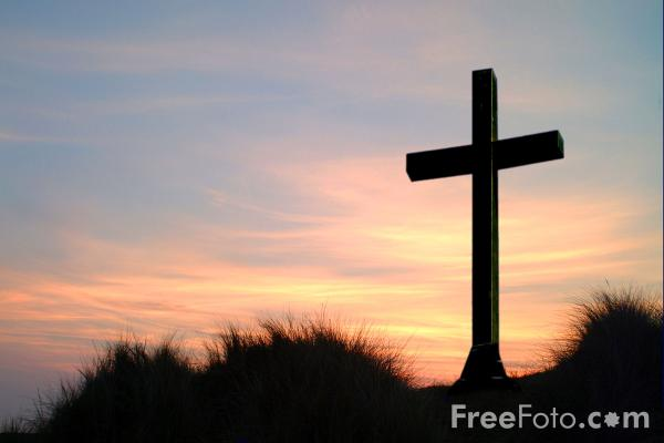 Picture of Cross at Sunset - Free Pictures - FreeFoto.com