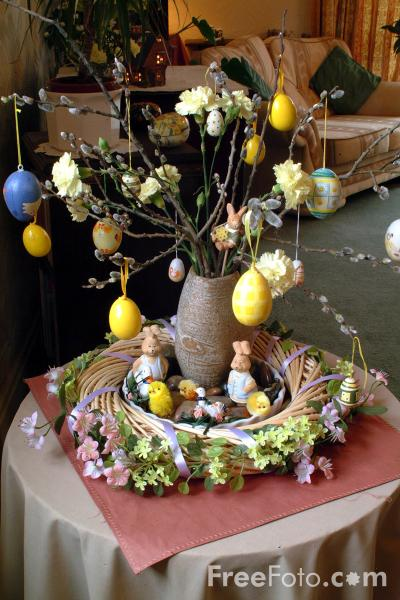 Picture of Easter Egg Tree - Free Pictures - FreeFoto.com