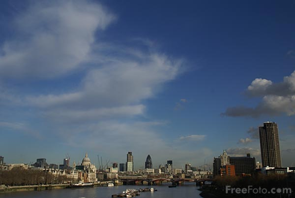 Picture of London City Skyline - Free Pictures - FreeFoto.com