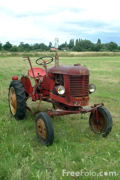 Picture of Old Tractor - Free Pictures - FreeFoto.com