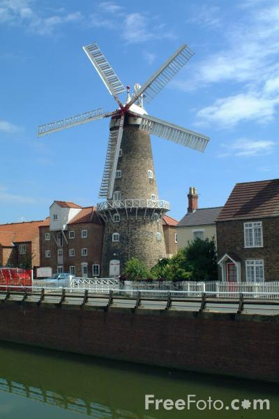 Picture of Maud Foster Windmill, Boston - The tallest working windmill in Great Britain - Free Pictures - FreeFoto.com
