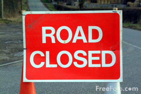 Picture of Closed Road, Belsay, Northumberland - Free Pictures - FreeFoto.com