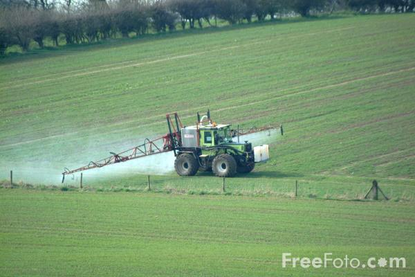 Picture of Crop Spraying - Free Pictures - FreeFoto.com