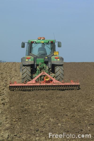 Picture of Disc Harrowing - Free Pictures - FreeFoto.com