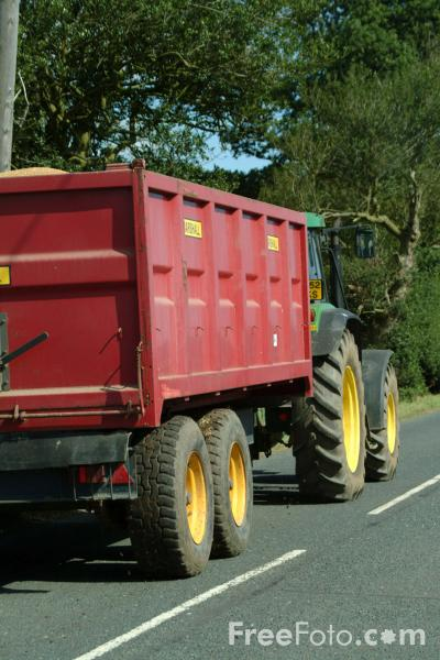 Picture of Tractor and trailer - Free Pictures - FreeFoto.com