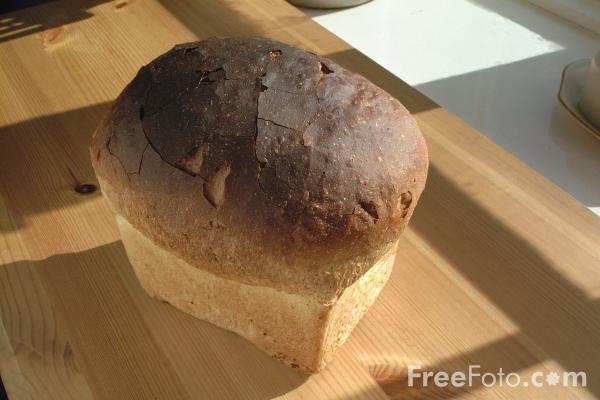 Picture of White Uncut Loaf - Free Pictures - FreeFoto.com