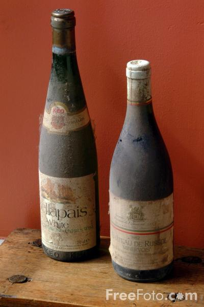 Picture of Bottles of Wine - Free Pictures - FreeFoto.com