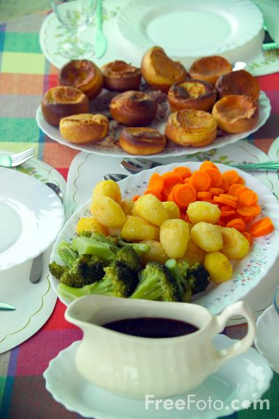 Picture of Sunday Lunch - Free Pictures - FreeFoto.com