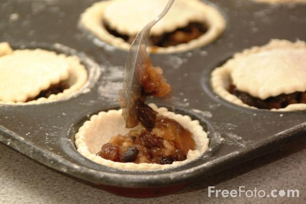 Picture of Sweet Mince Pies - Free Pictures - FreeFoto.com