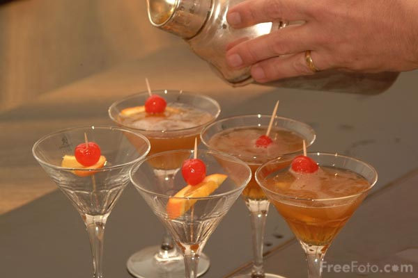 Picture of Cocktails - Free Pictures - FreeFoto.com