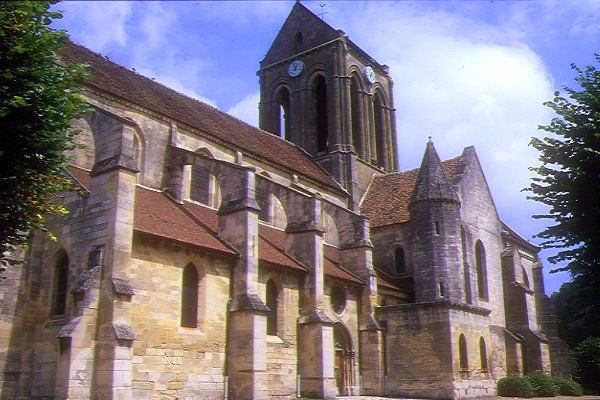 Picture of Notre-Dame of Auvers church, Auvers-sur-Oise, France - Free Pictures - FreeFoto.com