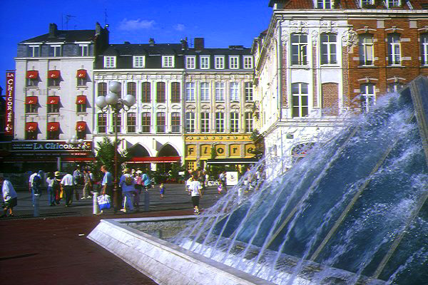 Picture of Lille Town Centre - Free Pictures - FreeFoto.com