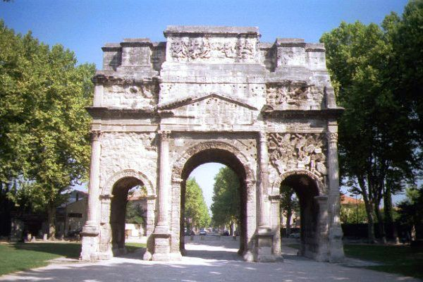 Picture of Arc de Triomphe, Orange - Free Pictures - FreeFoto.com