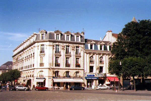 Picture of Reims Town Centre - Free Pictures - FreeFoto.com