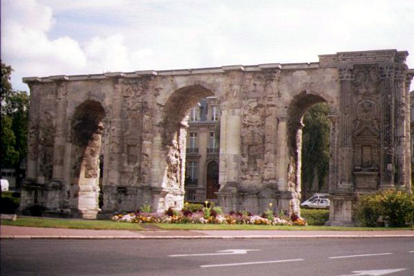 Picture of Roman Wall, Reims - Free Pictures - FreeFoto.com