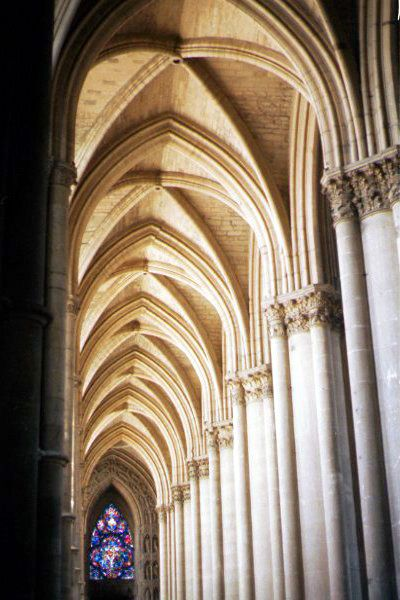 Picture of Inside The Cathedral of Notre Dame, Reims - Free Pictures - FreeFoto.com