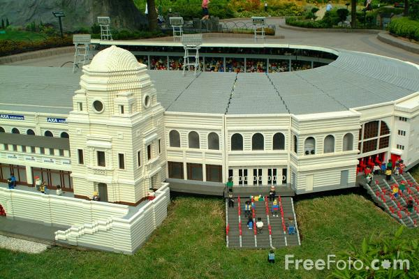 Picture of Wembley Stadium, Miniland, Legoland, Windsor - Free Pictures - FreeFoto.com