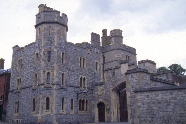 Picture of Windsor Castle - The largest inhabited castle in the world - Free Pictures - FreeFoto.com