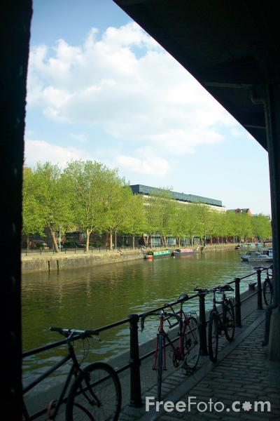 Picture of St Augustine's Reach, Bristol Harbour - Free Pictures - FreeFoto.com