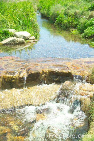 Picture of Stream, Chapel Porth, Cornwall - Free Pictures - FreeFoto.com