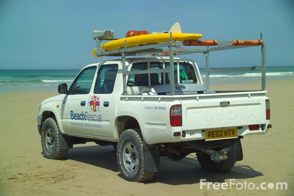 Picture of RNLI beach lifeguard service, Chapel Porth, Cornwall - Free Pictures - FreeFoto.com