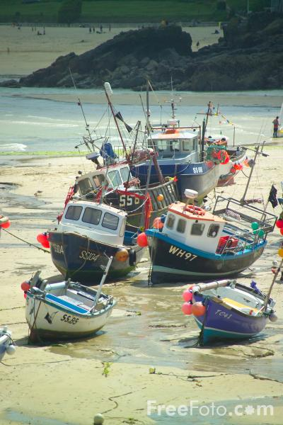 Picture of St Ives Harbour,  Cornwall - Free Pictures - FreeFoto.com