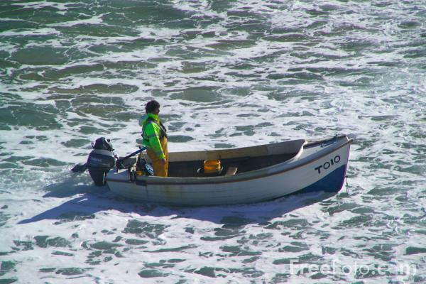 Picture of Fishing Boat, Saint Agnes Bay, Cornwall - Free Pictures - FreeFoto.com