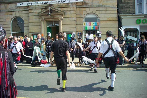 Picture of Morris Dancers, Teesdale Thrash, Barnard Castle - Free Pictures - FreeFoto.com
