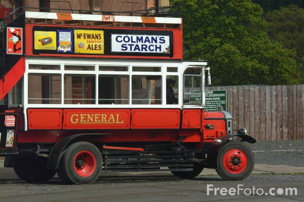 Picture of Replica Daimler CC double decker bus - Free Pictures - FreeFoto.com